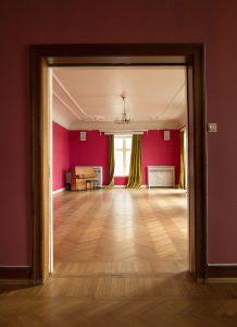 Lyst flytter inn i stuene for å drive kafé
